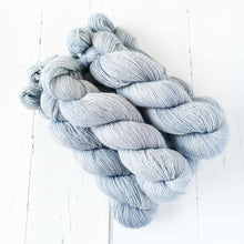 Load image into Gallery viewer, Miss la Motte Lace Merino in Silver Dollar