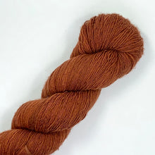 Load image into Gallery viewer, Nurturing Fibres SingleSpun Lace in Chestnut