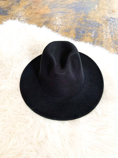 The Theodora hat - black