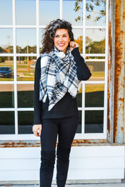 Cozy Up scarf - white plaid