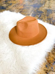 The Theodora hat - camel
