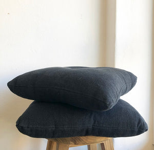 Cushion - Black linen with centre tassel