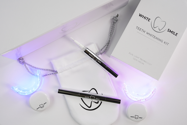 Teeth Whitening Kit, Travel Pouch & Luxury Gift Box - WhiteSmileTeethNow