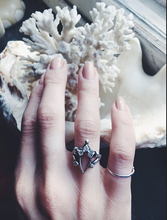 Load image into Gallery viewer, mini portal ring // 'triple crown'