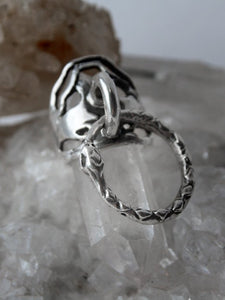 door knocker silver ring // ouro knuckle