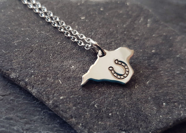 Isle of Wight Charm Pendant with Horseshoe Stamp
