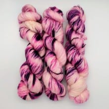 Lady Dye Fingering (UK 4-ply)