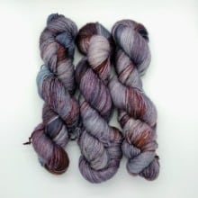 Load image into Gallery viewer, Lady Dye Fingering (UK 4-ply)