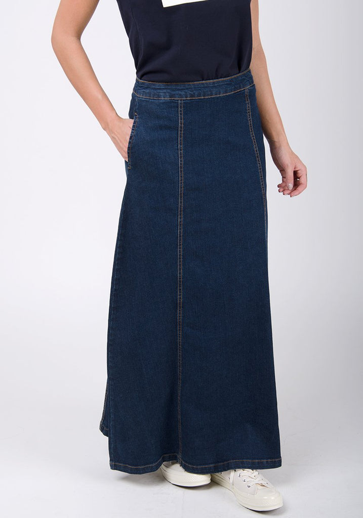Close-up frontal of pure cotton Matilda-style skirt with subtle side pockets.