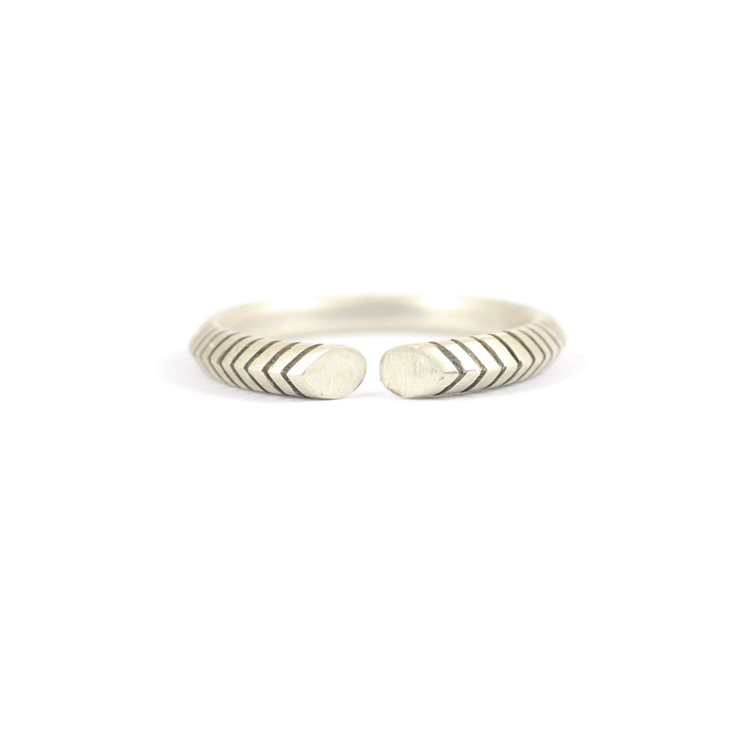 Ladies Backbone Ring