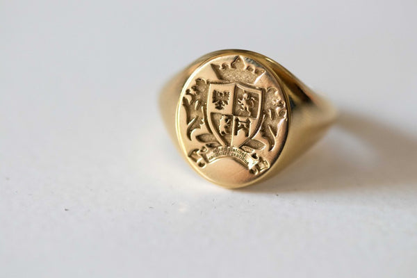 9ct Yellow Gold Oval Legacy Signet Ring