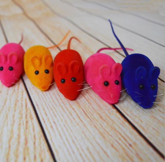 2016 Lovely Squeaky Simulation Mouse Sound Toy Dog Cat Kitten Chew Toys Random Color