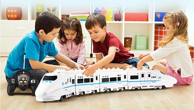 Huge Size Music RC Train Toy Electric Remote Control Rail 4W RC Car Model Train For Kids Railway Track Train Toyss