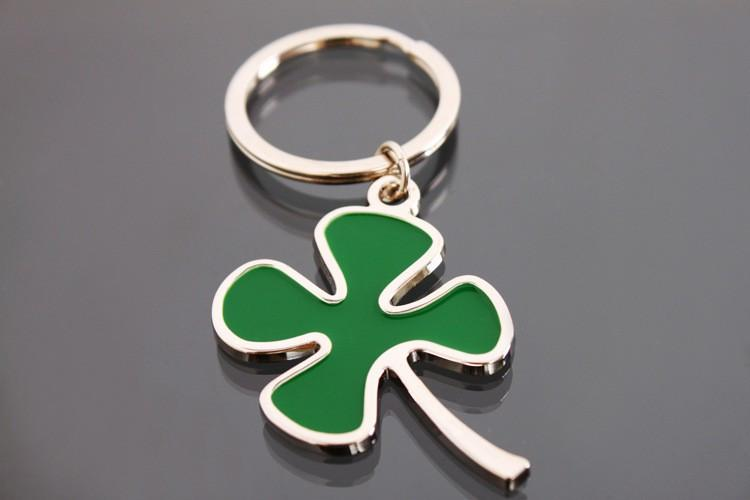 Leaf Keychain Fashion Creative Beautiful Four Leaf Clover Steel Lucky Key Chain Jewelry Keyring for ALFA ROMEO red cross Logo