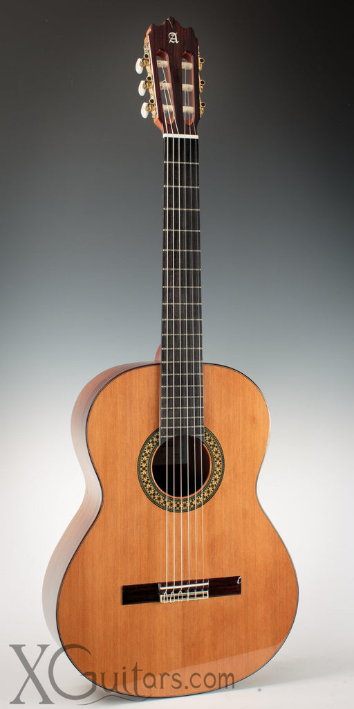 Alhambra 4P classical guitar front