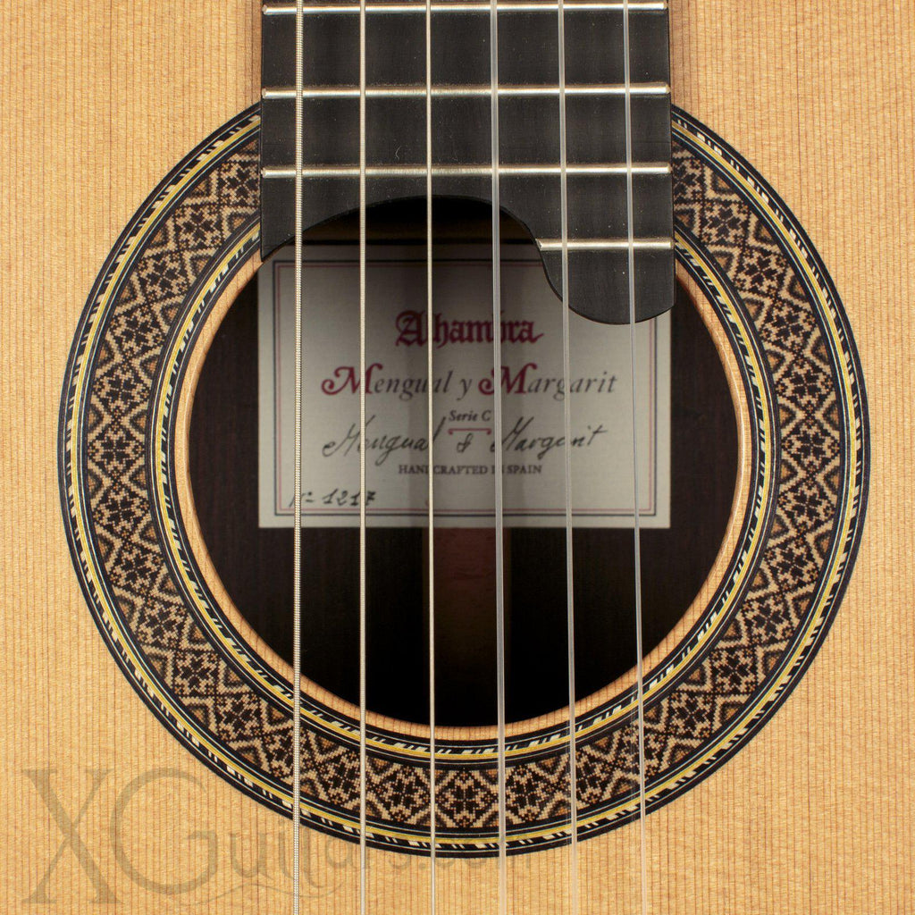 Alhambra Mengual y Margarit Serie C Classical Guitar