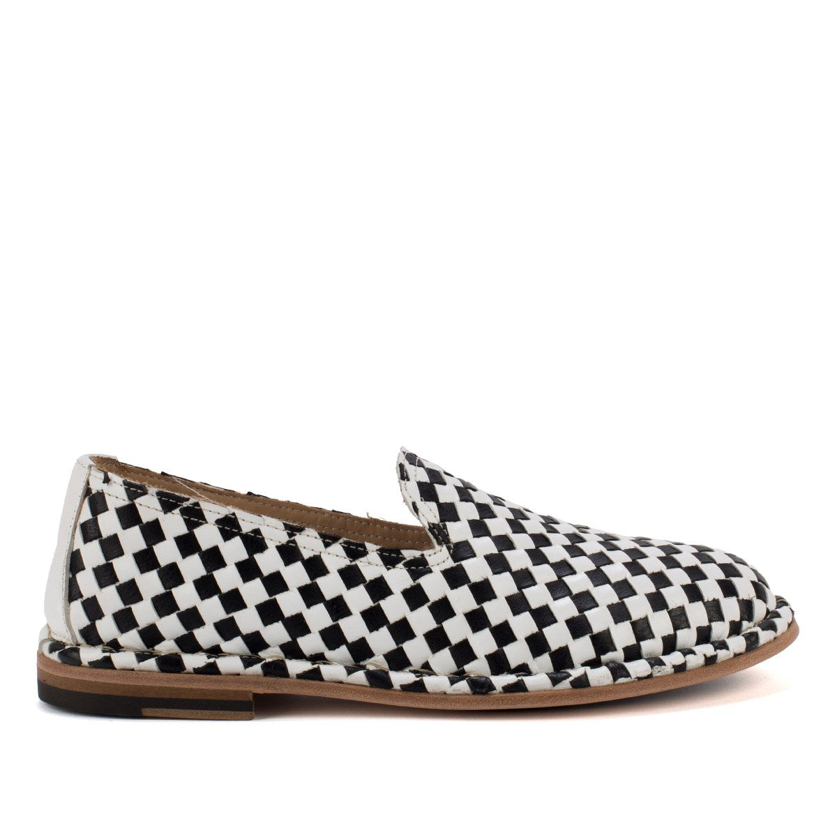 HAND 06 WOVEN SLIPPERS – Black & White