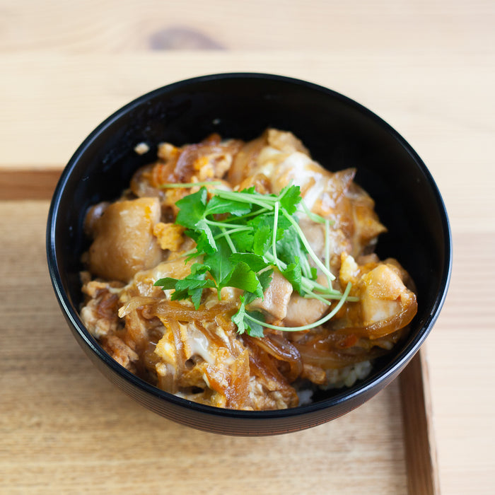 How to Make Japanese Oyakodon (Chicken and Egg Rice Bowl)