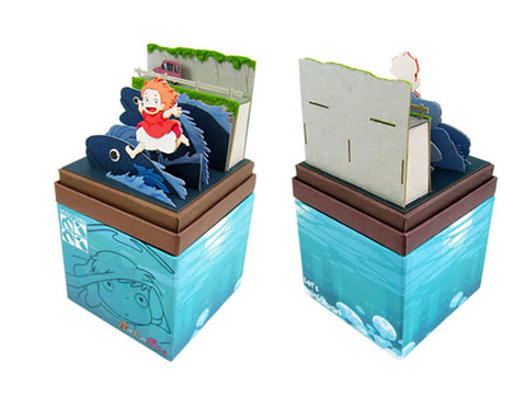 Miniatuart | Ponyo on the Cliff by the Sea : Ponyo running on fish by Sankei - Bento&con the Bento Boxes specialist from Kyoto