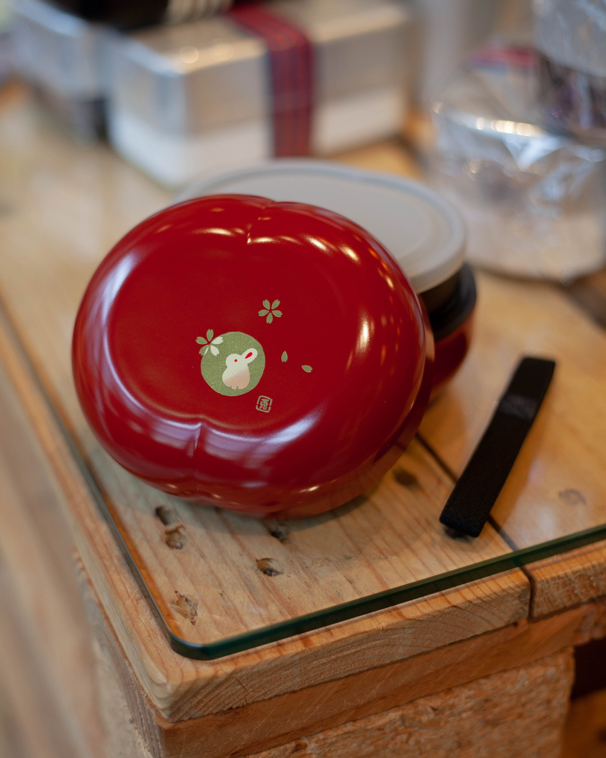 Usagi Koban Bowl Bento Red by Hakoya - Bento&co Japanese Bento Lunch Boxes and Kitchenware Specialists