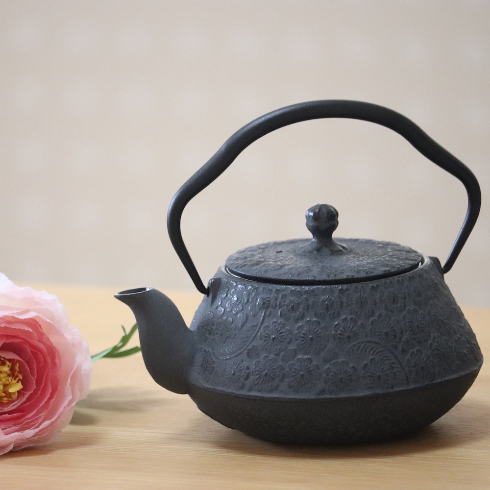 Tetsubin Oval Kettle | Sakura by Shoendo - Bento&co Japanese Bento Lunch Boxes and Kitchenware Specialists