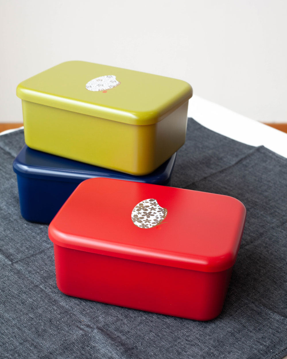 Komemon Lacquer Rectangle Bento Box | Red by Hakoya - Bento&co Japanese Bento Lunch Boxes and Kitchenware Specialists