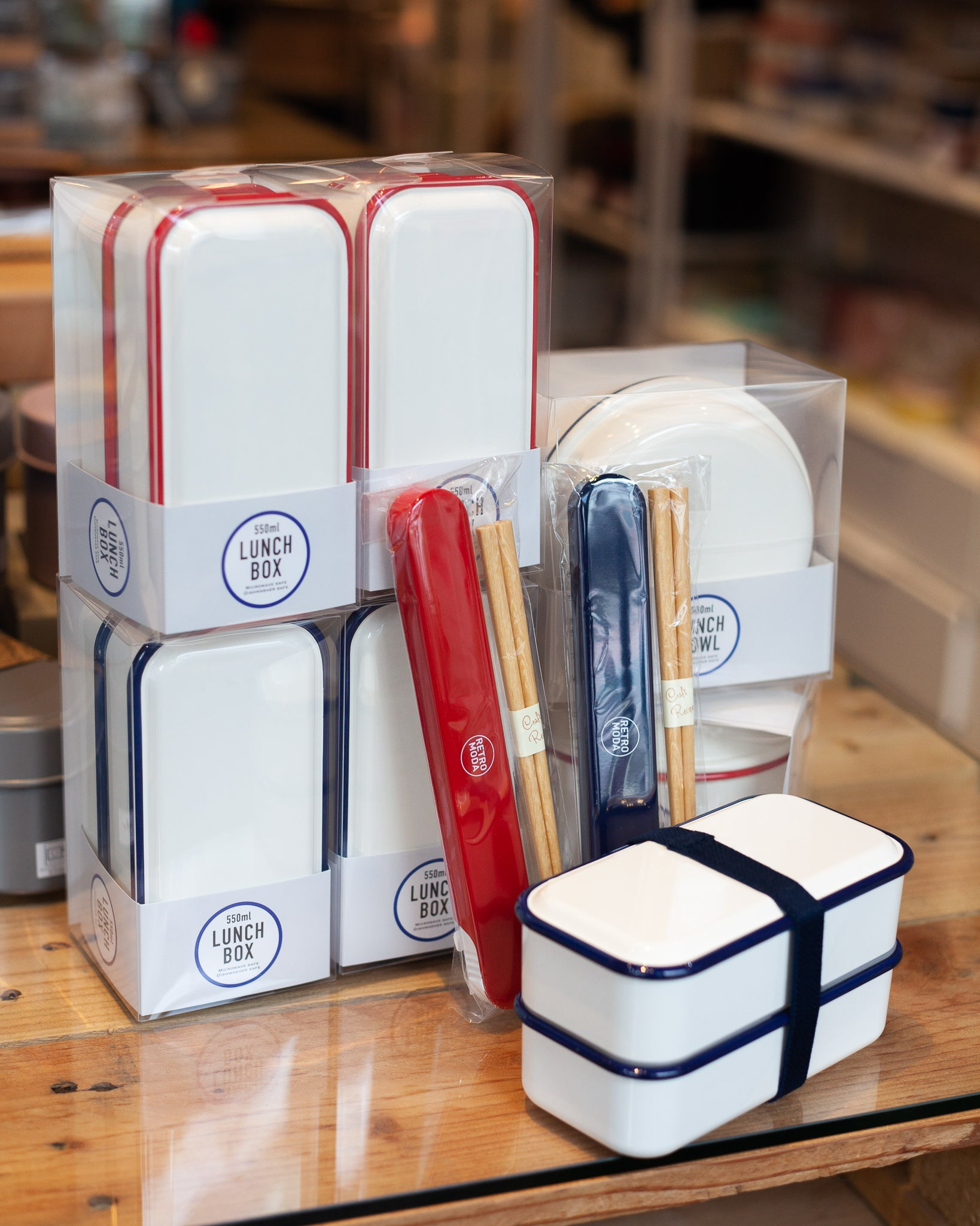 Takenaka Retro Moda Lunch Box | White & Red