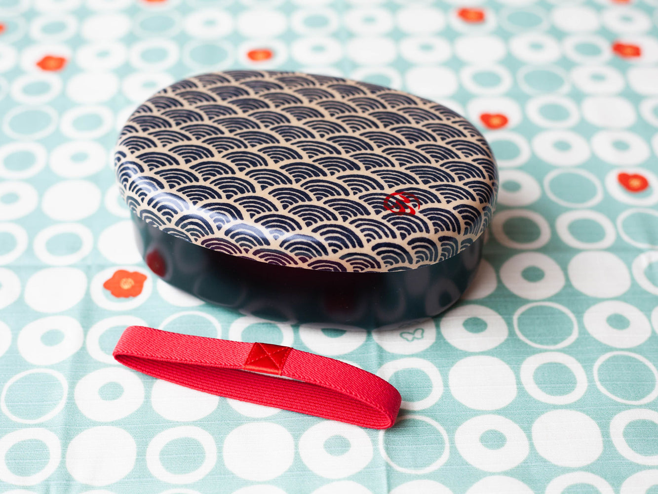 Wafu Cloth Round Bento Box | Ocean Wave by Hakoya - Bento&co Japanese Bento Lunch Boxes and Kitchenware Specialists