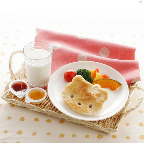 Hello Kitty Bread Cutter by Skater - Bento&con the Bento Boxes specialist from Kyoto