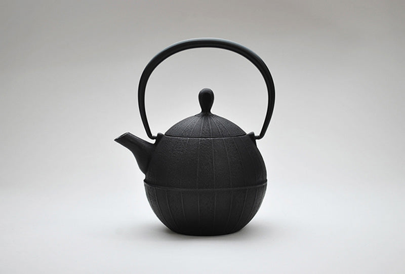 Enamel Kurumi Teapot | Black by Shoendo - Bento&co Japanese Bento Lunch Boxes and Kitchenware Specialists