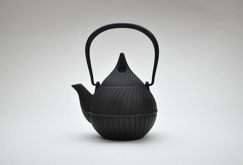 Enamel Tsubomi Teapot | Black by Shoendo - Bento&co Japanese Bento Lunch Boxes and Kitchenware Specialists