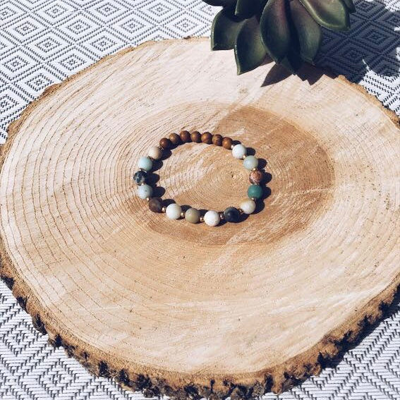 Handmade bracelet, made in wood, wooden