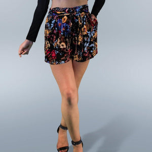 Cutie Pie Shorts - Black Floral