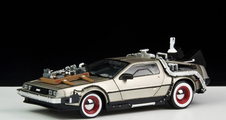 Unpainted Kit  1:18 Back To The Future 2 car delorean
