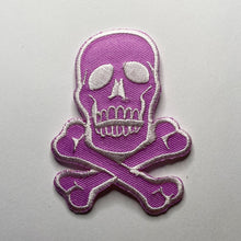 Load image into Gallery viewer, Classic Jolly Roger Pirate Skull Iron-On Patch