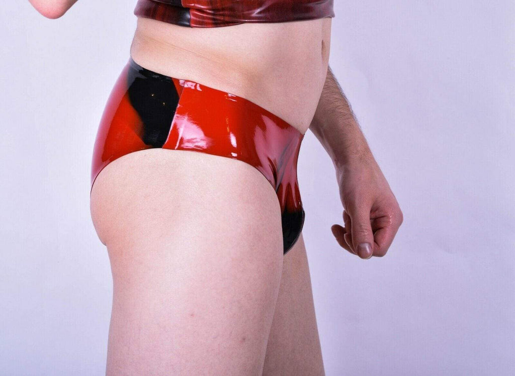 SexyMenUnderwear.com Polymorphe Mens Rubber Underwear  Latex  Brief smeered red Fetish un 05am 14