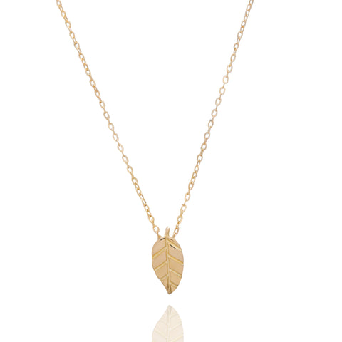 A MINI LEAF OF GOLD NECKALCE