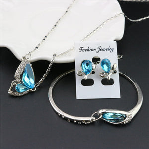 Three-piece necklace set