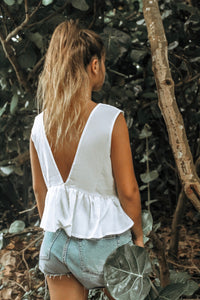 GO WITH THE FLOW WHITE CROP TOP