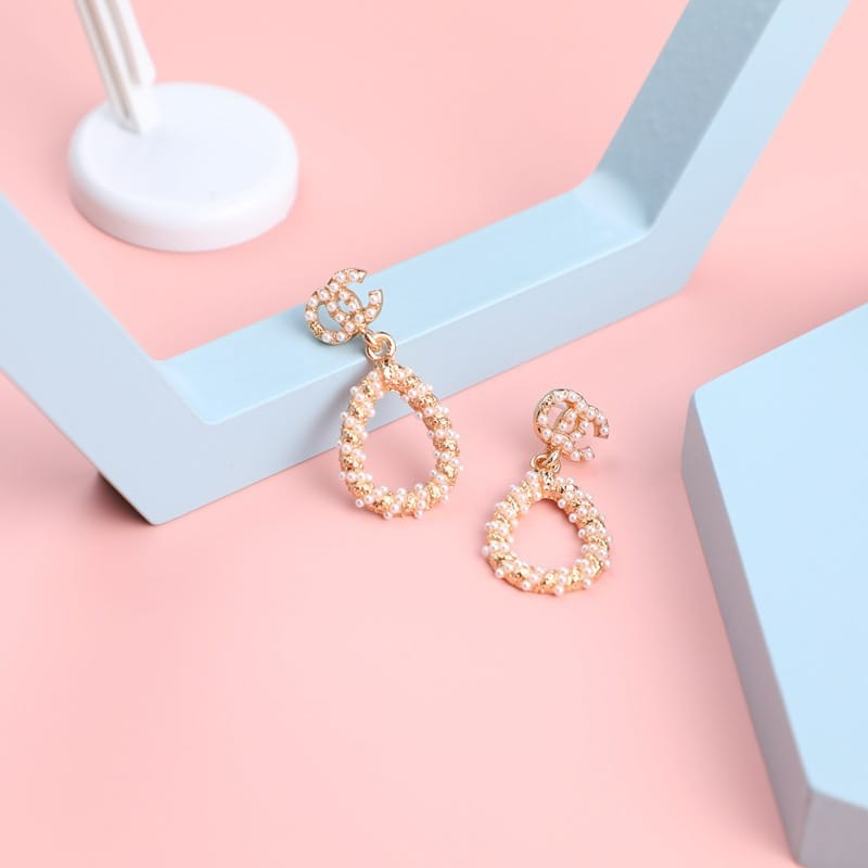 Wholesale Women Minimalist Pearl Decorative Earrings 10 twenty 2
