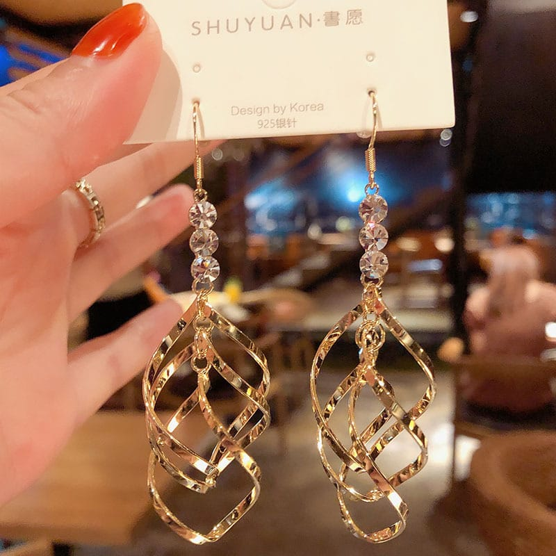 Wholesale Women Fashion Spiral Design Earrings