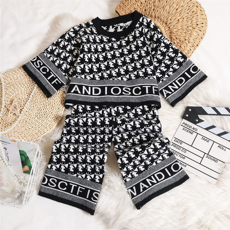 30 Set's) Wholesale Girls Fashion Long-sleeves Letter Pattern Tops And Pants Set