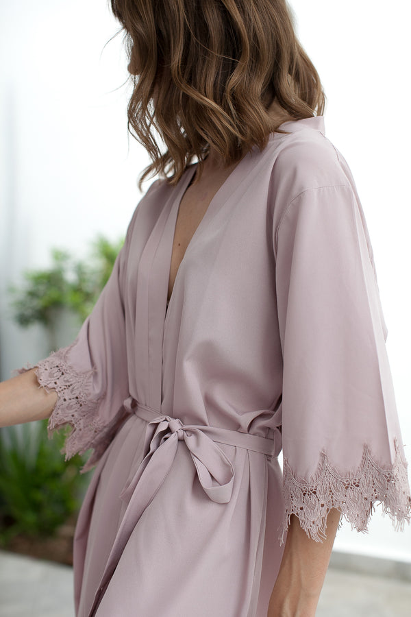 Nude Champagne Bridesmaid Robes // Robe // Bridal Robe // Bride Robe // Bridal Party Robes // Bridesmaid Gifts // Satin Robe // Lace Bridal Robe