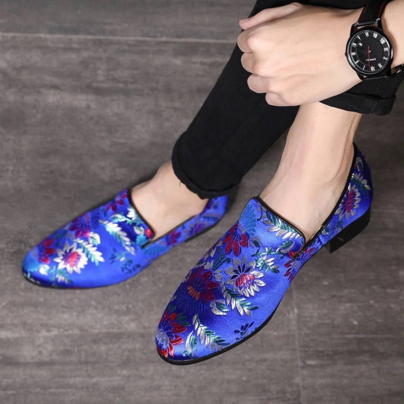 Men Classic Blue Embroidery Loafers