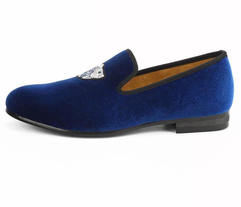 Men Blue Velvet Embroidered Loafers