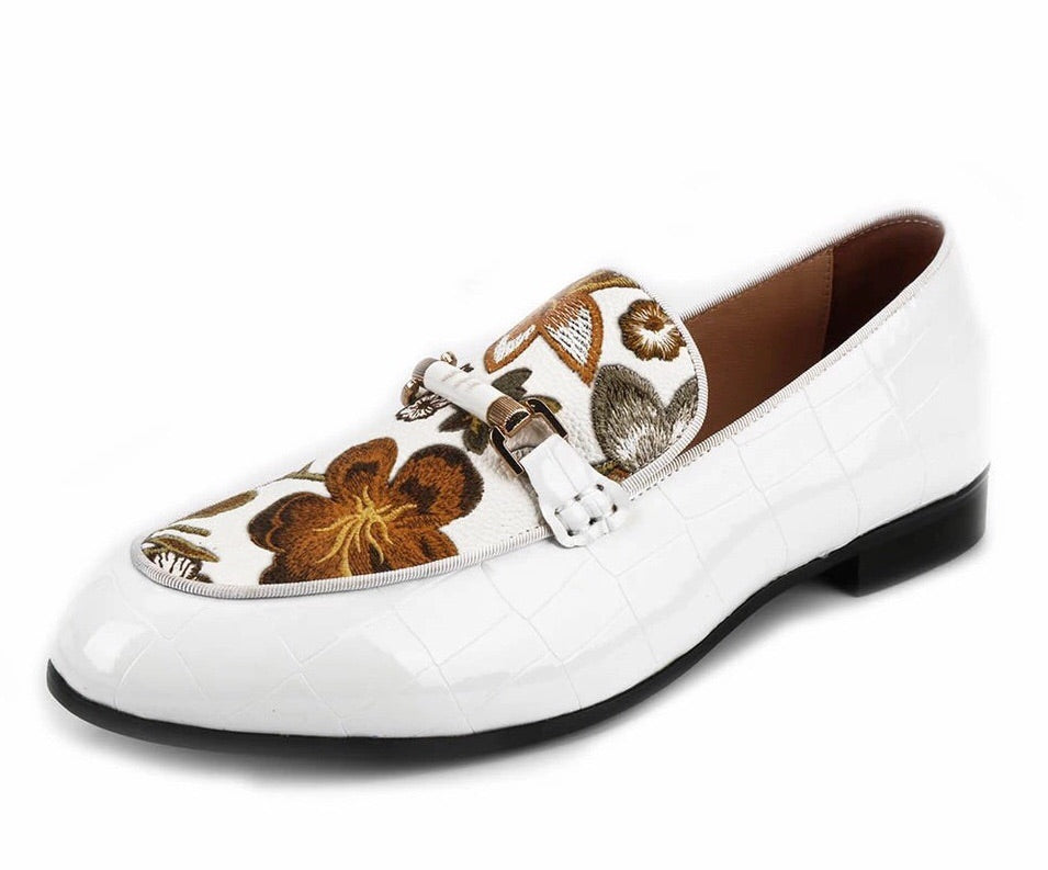 Men White Print Loafers