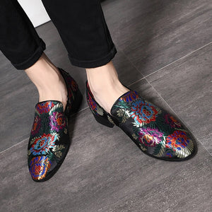 Men Black Embroidery Loafers