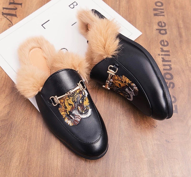 Men Black Fur Leather Slippers