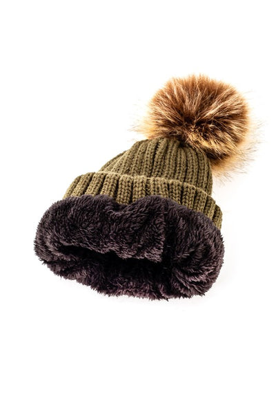 Solid fur lined pom pom knit hat