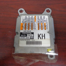 Load image into Gallery viewer, 2015 Toyota Prius C Airbag Control Module 89170-52k20